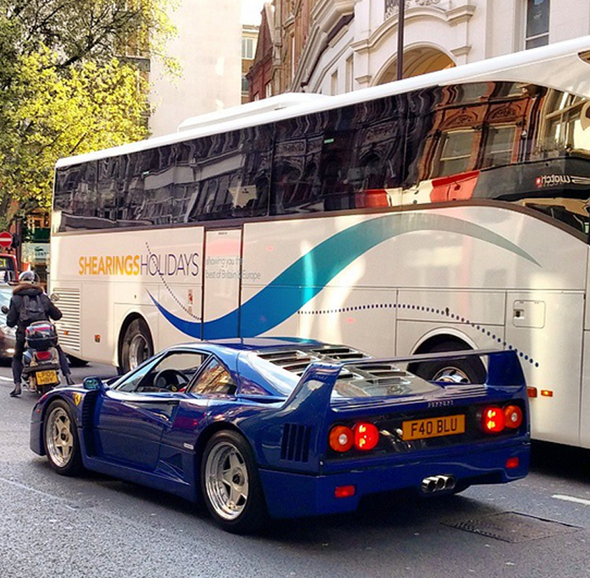 Ferrari F40 Blue