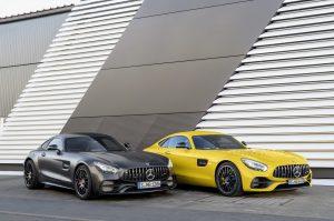 Mercedes-AMG GT C Editioan 50, graphitgrau magno // Mercedes-AMG GT C Edition 50, graphite grey magno Kraftstoffverbrauch kombiniert: 11,3 l/100 km, CO2-Emissionen kombiniert: 257 g/100km Fuel consumption combined: 11.3 l/100 km; Combined CO2 emissions: 257 g/100km Mercedes-AMG GT S, solarbeam // Mercedes-AMG GT S, solarbeam Kraftstoffverbrauch kombiniert: 9,4 l/100 km, CO2-Emissionen kombiniert: 219 g/100km Fuel consumption combined: 9.4 l/100 km; Combined CO2 emissions: 219 g/100km
