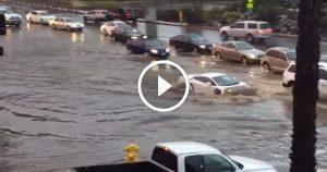Lamborghini Gallardo Drives Through a Flood